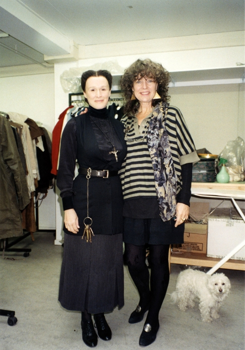 Glenn Close and Barbara Baum at a fitting for THE HOUSE OF THE SPIRITS (DE/DK/PT 1993).