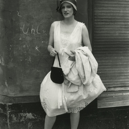 "BERLIN ALEXANDERPLATZ (BRD 1980). Barbara Sukowa im ""Mieze""-Kostüm"