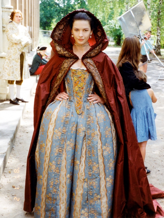 Catherine Zeta-Jones on the set of CATHERINE THE GREAT (DE/US 1996).