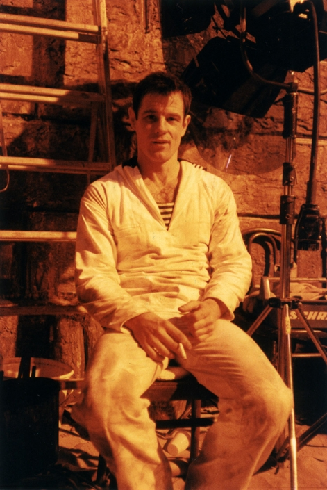 Brad Davis on the set of QUERELLE (FRG 1982).