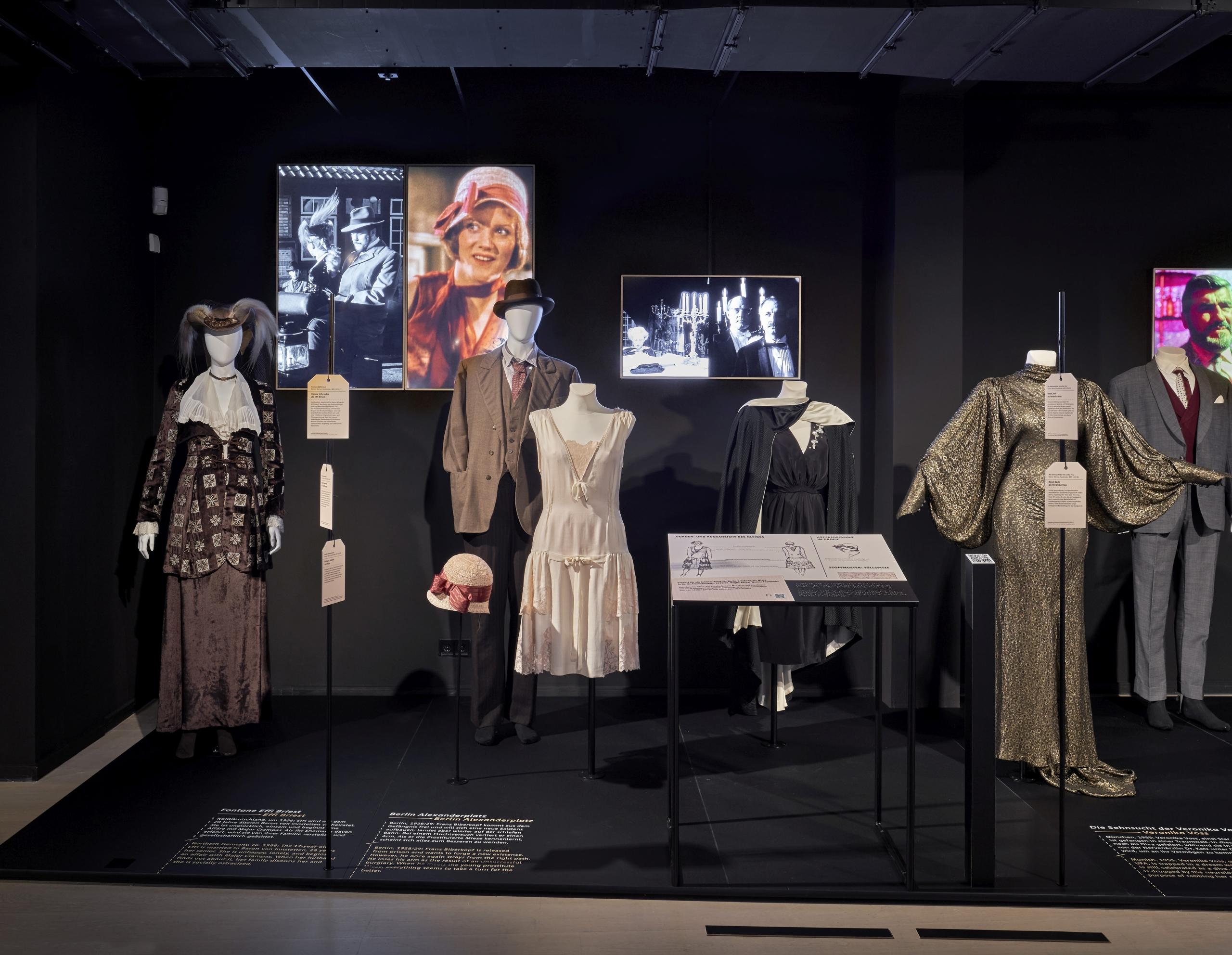 Bühne 9, 1: Fontane Effi Briest, Berlin Alexanderplatz, Die Sehnsucht der Veronika Voss