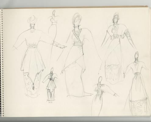 Väter und Söhne: Spiralblock mit den Entwurfsskizzen für das eisblaue Kleid für Julie Christie
