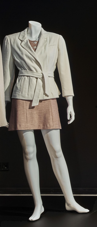 Das Geisterhaus: Jacke und Kleid für Winona Ryder in ihrer Rolle als Blanca
