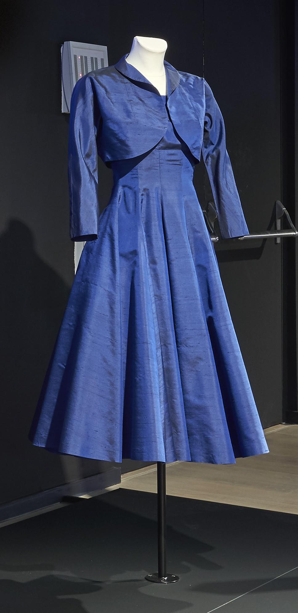 Homo Faber: Blaues Tanzkleid