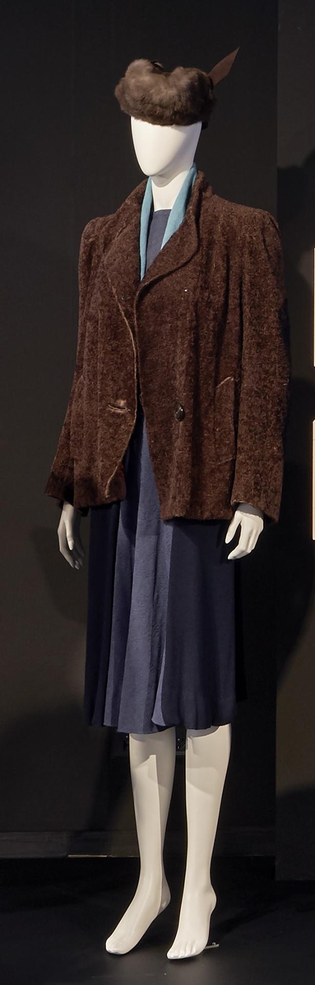 Die Ehe der Maria Braun: Nachkriegskleid, Pelzkappe + Jacke