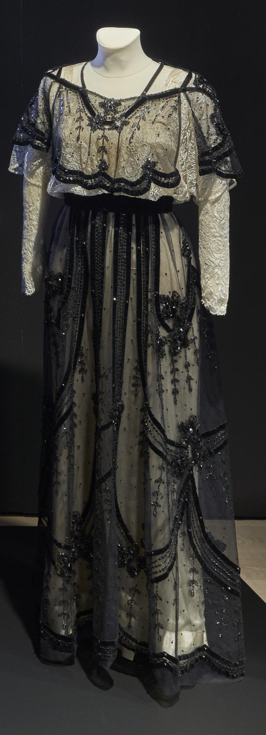 VÄTER UND SÖHNE: Kleid für Julie Christie