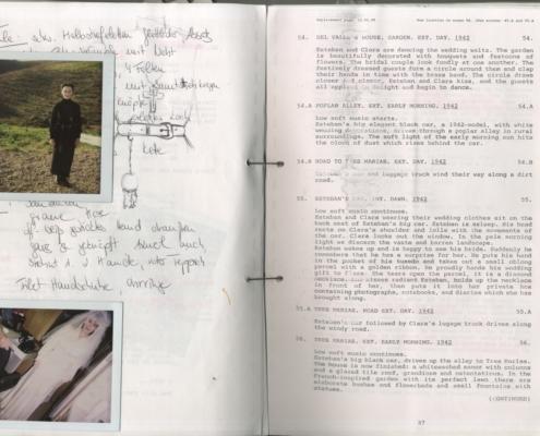 Das Geisterhaus: Arbeitsdrehbuch mit eingeklebten Polaroids und handschriftlichen Anmerkungen