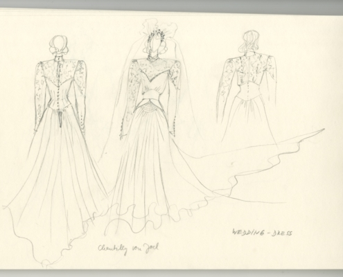 Das Geisterhaus: Spiralblock mit Entwurf Hochzeitskleid für Clara
